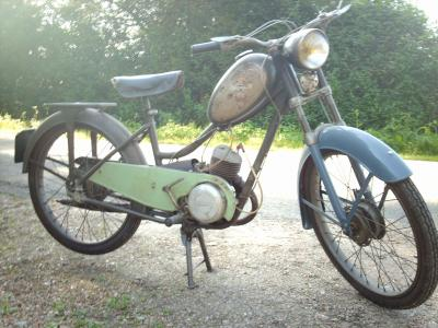 moto de quelle année? 1077388372_small