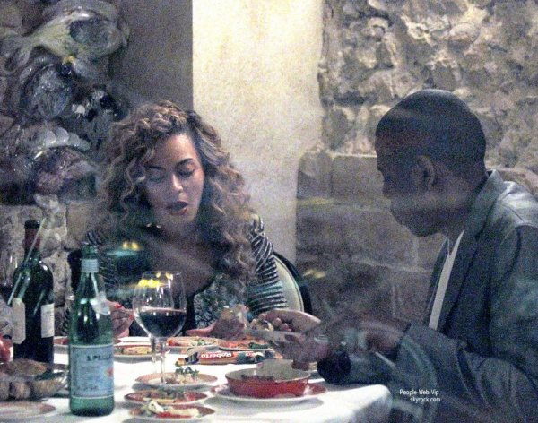  Beyonce avec son mari Jay-Z au restaurant Le Michelangelo pour fter le BDAY de la belle ( mardi (Septembre 4)  Antibes, France.) 