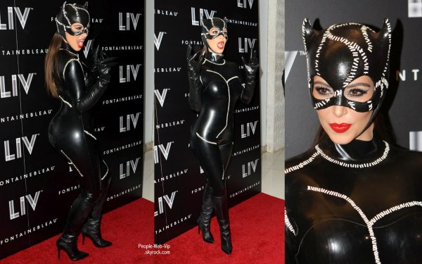 HALLOWEEN PART 2  Kim Kardashian et sa soeura la Halloween Birthday Bash de Miami  RIHANNA Halloween party au Greystone Nightclub � Hollywood