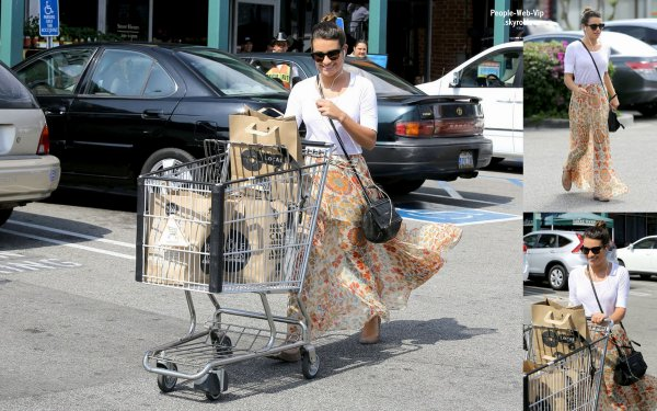  Lea Michele apercue a la sortie de l'picerie Whole Foods (vendredi (17 mai)  West Hollywood, en Californie) 