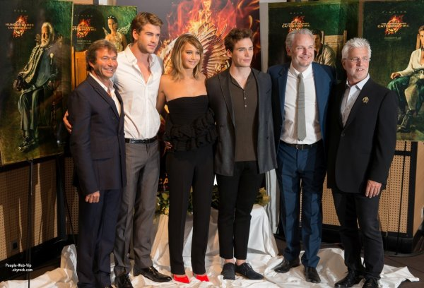   Jennifer Lawrence, Liam Hemsworth er Sam Claflin assistait  une sance photo pour leurs film trs attendu The Hunger Games: Catching Fire lors du Festival de Cannes 2013  ( samedi (18 mai)  Cannes, France.)  
